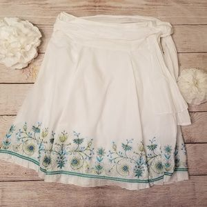 Cute White Circular Skirt with Embroidered Flowers